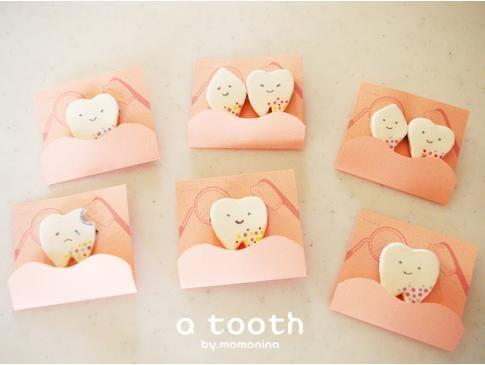 a tooth ~にこにこ歯のブローチ~