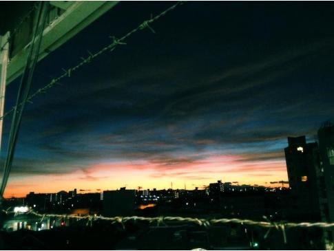 船橋LOFTの駐車場からの夕日