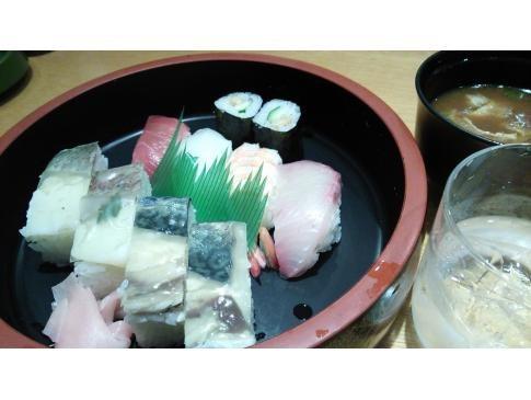 空港の寿司屋