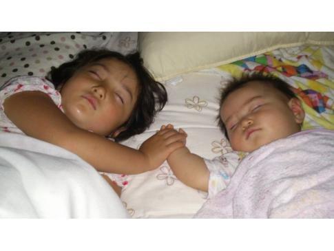 スヤスヤ…寝てる時も一緒だよ!